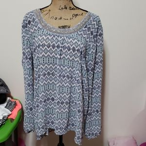 Xxl blue and white blouse with beaded neckline